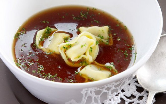 Tortellini in bouillon
