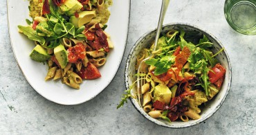 Recept Pastasalade met pesto en avocado Grand'Italia
